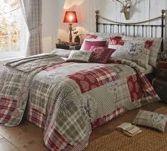 tatton patchwork double duvet cover set in red includes 1x double duvet cover and 2x pillowcases co uk kitchen home