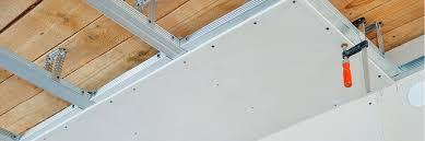 Dachlatten sind holzlatten, auf denen die eindeckung des daches befestigt wird. Eichhorn Zentrale Unterbau Trockenbau