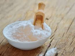 is it safe to use baking soda on hair