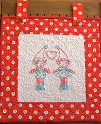 learn the diffe ways to hang your small wall quilt the sewing loft