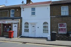 Elegant 2 Bedroom Terraced House To Rent   Alpha Street North , Slough, Berkshire.  SL1