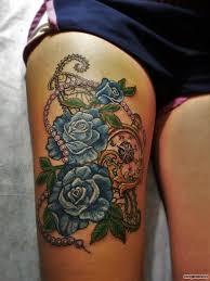 три синих розы и часы с украшением на бедре добавлено олеся телегина