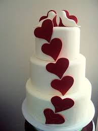 13 Perfectly Sweet Heart Shaped Wedding Cakes Topweddingsitescom