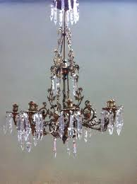 what does chandelier mean in spanish designs