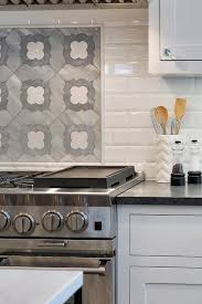Subway Tile Backsplash Patterns Magnificent Gorgeous Quatrefoil Mosaic Cooktop Tiles Framed By White Beveled