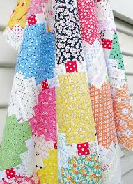 227 best Quilts images on Pinterest   Patchwork quilting, Quilt ... & Courthouse Steps Quilt   Red Pepper Quilts - Tutorial Adamdwight.com