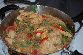 thai drunken noodles recipe food