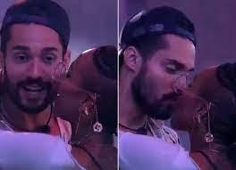 BBB21: Após beijos de Karol Conká e Arcrebiano, web reage e fala em assédio  - Quem