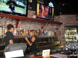 Dunia Bir - Sungai Kelapa |  Sungai Kelapa |  Bar dan Klub |  Musik |  New Times Broward-Palm Beach