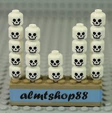 <b>LEGO</b> - <b>Skulls</b> Classic White <b>Skeleton Head</b> Monster Halloween ...