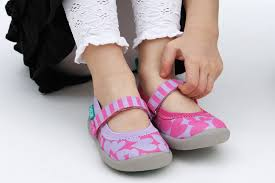 How To Find Correctly Fitting Childrens Shoes Online