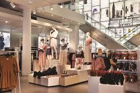 Retail Merchandising Visual Merchandising Seeing Is Believing In Business