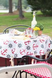 No-sew-outdoor-tablecloth and weights