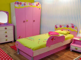 27 Unique & Stylish Twin Beds For Your Kids