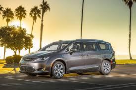 2018 chrysler hybrid pacifica.  hybrid 2017 chrysler pacifica hybrid platinum passenger minivan exterior shown for 2018 chrysler hybrid pacifica n