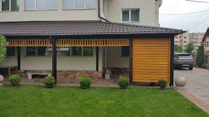 terasa moderna din lemn de rasinoase