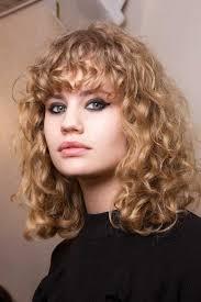 Cheveux Bouclés Mi Longs Automne Hiver 2018 Cheveux