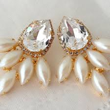 white clear crystals and pearls swarovski chandelier earrings e