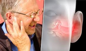 Ear infection symptoms: Earwax build-up could be causing pain ...