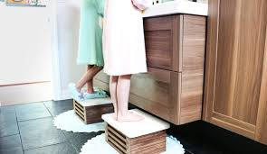 this diy wooden step stool is amazing it looks so modern and i