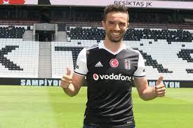 """Beşiktaş JK on Twitter: """"15 yıldır Kartal dövmesini üzerinde taşıyan Gökhan  Gönül, yüreğini ortaya koyacak, kalbimizi feth edecek. #Beşiktaş… """""""