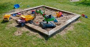 File:Sandbox with toys on Röe gård 2.jpg - Wikimedia Commons