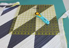 How to Bind a Quilt in 6 Easy Steps & Trim the corners Adamdwight.com