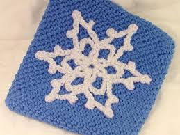 how to make a crocheted snowflake pot holder