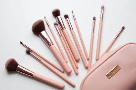 bh cosmetics brushes price. bh chic \u2013 14 piece brush set with cosmetic case: $24.99 $18.74 bh cosmetics brushes price t