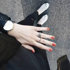 指彩報報氣質出眾的仙級美色奶油南瓜指甲油比豆沙色更顯白