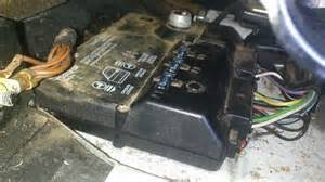 porsche fuse box porsche wiring diagram porsche fuse 964 engine partment fuses as well 1987 porsche 911 fuse box diagram