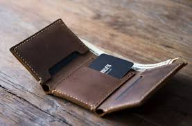 customized leather trifold wallet for men