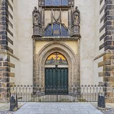 Decorating martin luther church door photos : Did Martin Luther Really Nail the 95 Theses & Why On Halloween ...