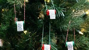 diy xmas decoration ornaments on tree diy holiday decorations on a budget
