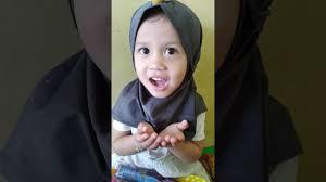 Alana baca doa sebelum makan - YouTube