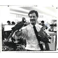 1985 Press Photo Marc Glassman, owner of Marc's & Bernie Schulman ...
