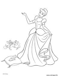 Coloriage Princesse Disney Cendrillon 2 Dessin Coloriage De Princesse Cendrillon L