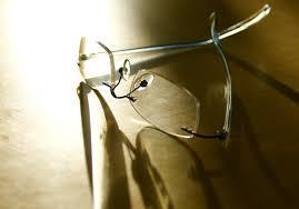 table wood glass lens lighting material close up sungl gl eyegl eyewear lenses macro photography fashion
