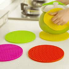 2018 vintage cute mini round silicone placemats for dining table cup dinner kitchen tea whole and retails from wlz644 13 19 dhgate com
