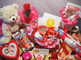 6 Simple Valentines Day Gifts For Him And Her Gifts For Valentines  Valentines Days Gifts