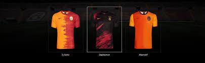 Ek olarak, kulübün yeni spor başarılarını kutlamak için üstüne bir yıldız daha eklediler. Galatasaray Shop The Official Galatasaray Sk Online Store