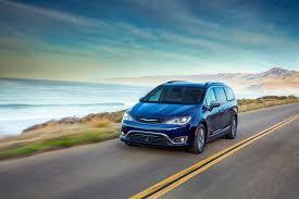 Hybrid Rebates 2017 Chrysler Pacifica Hybrid Carries Steep Price Premium