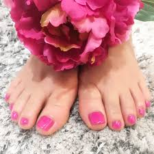 春らしいピンクのフットジェルネイル Total Beauty Salon Piansis