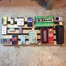 picture of wood pedaltrain novo 32 pedalboard easy build limited tools