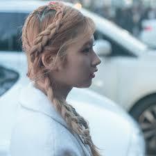 世界で最も美しい顔ランキング日本人トップtwiceサナのヘアスタイル