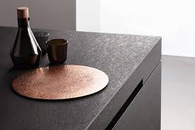 Aus granit und anderen hartgesteinen fertigen wir treppen, fensterbänke, küchenarbeitsplatten, funkenschutzplatten und tischplatten. Nero Assoluto So Reinigen Und Pflegen Sie Ihn Richtig