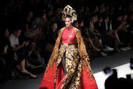 Designer Anne Avantie Bukti Cinta Desainer Kebaya Anne Avantie Pada Kota Semarang