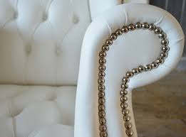 Sedie Schienale Alto Bianche : Poltrona chesterfield a orecchioni con schienale alto in