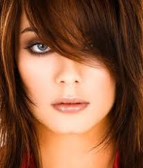 تسريحات الشعر التي تناسب الوجه الدائري بالصور 3a2ilati