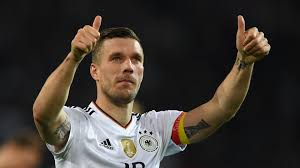 En 1995 se incorporó al 1. Former Arsenal Star Podolski Turns His Hand To Ice Hockey With Local Club Goal Com